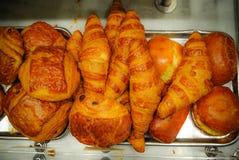 Croissant français traditionnel à Paris Photo libre de droits