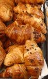 Croissant francesi del cioccolato per la celebrazione di giorno di Bastille Fotografia Stock
