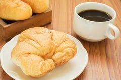 Croissant i filiżanka Fotografia Stock