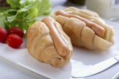 Croissant Kiełbasiana Serowa kanapka Obrazy Stock