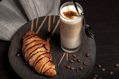 Croissant and latte Royalty Free Stock Photography