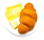Croissant met kaas en boter Stock Foto's