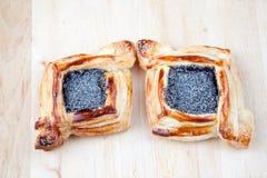 Croissant met papaver Stock Foto's