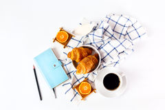 Croissant savoureux cuit au four frais Photo libre de droits