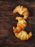 Croissant tradicionais com doce para o café da manhã Foto de Stock Royalty Free