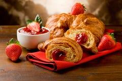 Croissanten met marmelade Stock Foto