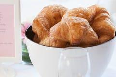 Croissants και καφές Στοκ εικόνες με δικαίωμα ελεύθερης χρήσης