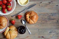croissants φρέσκος Στοκ εικόνες με δικαίωμα ελεύθερης χρήσης