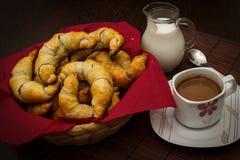 Croissants avec du chocolat Photos libres de droits