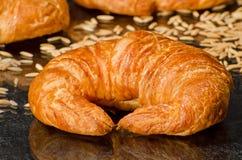 Croissants cuits au four frais Photographie stock libre de droits