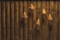 Croissants de oro imagen de archivo