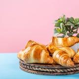 Croissants di recente cotti Fotografie Stock Libere da Diritti