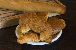 Croissants et baguette Photographie stock libre de droits