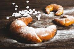 Croissants frais et savoureux Image libre de droits