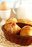 Croissants frais pour le déjeuner Photographie stock