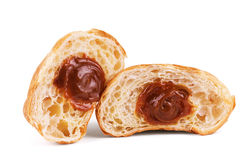 croissants op een witte achtergrond, croissants met condens Royalty-vrije Stock Afbeeldingen