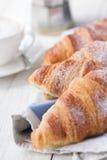 Croissants y café imágenes de archivo libres de regalías