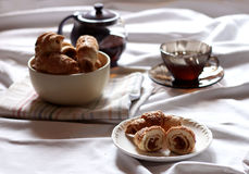 Croissants z wysuszonymi morelami Obrazy Royalty Free