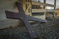 Croix abandonnée Photographie stock
