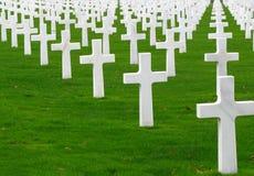 Croix blanches dans une ligne Image libre de droits