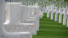 Croix blanches sur un mémorial Photos libres de droits