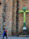 Croix chrétienne dans Cusco, Pérou image libre de droits