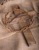 Croix, couronne des épines et clous Images libres de droits