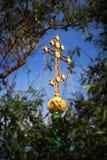 Croix d'église sur le dôme Photo libre de droits