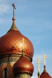 Croix d'or sur la vieille église #5 images stock