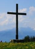Croix dans les montagnes images libres de droits