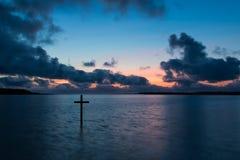 Croix de baie de l'eau Photographie stock libre de droits