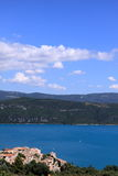 croix de lac sainte 库存图片