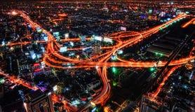 Croix de route de Bangkok la nuit Photo libre de droits