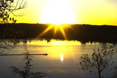Croix de rue de lever de soleil Image stock