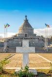 Croix de tombe de soldat inconnu au mausolée de Marasesti Photo stock