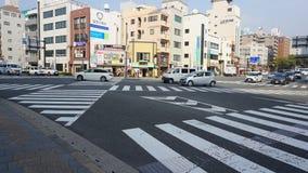 Croix de zèbre de route à Nagasaki, Japon photographie stock