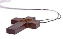 Croix en bois d'isolement sur le blanc Photographie stock libre de droits