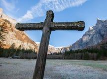 Croix et montagne en pierre II Photo libre de droits