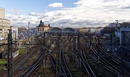 Croix ferroviaire de criss dans la station Images stock