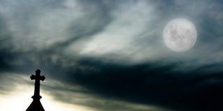 Croix la nuit Photographie stock libre de droits