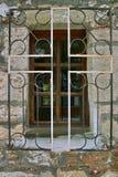 Croix sur la fenêtre Photographie stock libre de droits