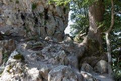 Croix sur la roche Photographie stock