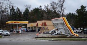 Crollo del baldacchino di Shell Station, Ann Arbor, MI fotografia stock libera da diritti