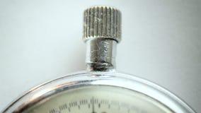 Cronómetro del vintage en el blanco 7 almacen de metraje de vídeo