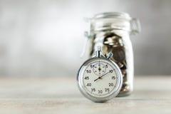 Cronômetro análogo no fundo cinzento fotos de stock