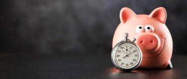 Cronômetro análogo no fundo preto fotografia de stock royalty free