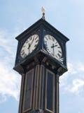 Cronometre na entrada ao cais de Brigghton, Reino Unido imagem de stock
