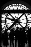 Cronometre no museu d'Orsay em preto & em branca, Paris, França Foto de Stock Royalty Free