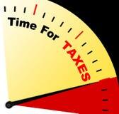 Cronometri per il messaggio di imposte che rappresenta le tasse dovute Fotografie Stock Libere da Diritti
