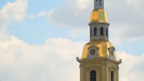 Cronometri sulla torre del Peter e di Paul Fortress stock footage